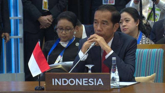 Presiden Jokowi saat berbicara pada Pleno KTT ke-31 ASEAN di Manila, Filipina, Senin (13/11). (Foto: BPMI)