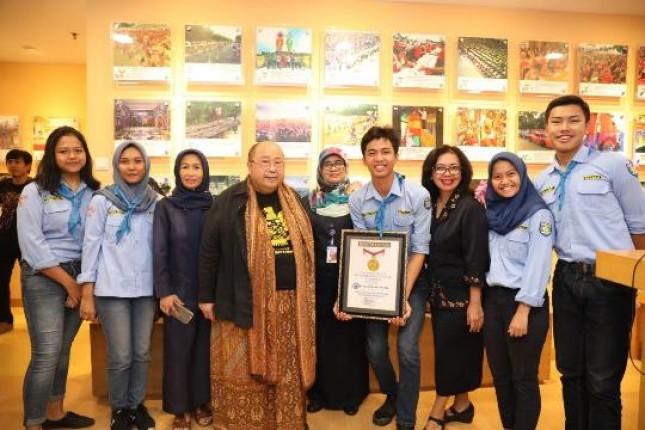 Elpala SMA 68 Terima Penghargaan MURI (Foto Ist)