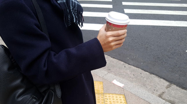 Illustration Takes Coffee while on the Go (Photo: english.yonhapnews.co.kr)