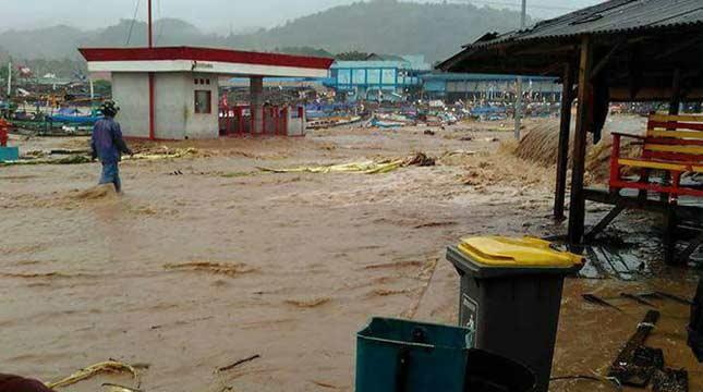 Banjir Bandang Pelabuhan Ratu