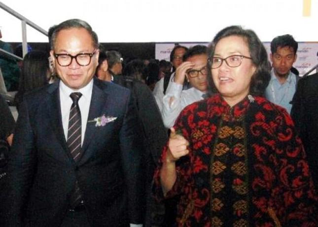 Dirut Bank Mandiri Kartika Wirjoatmodjo dan Menkeu Sri Mulyani (Foto Rizki Meirino)