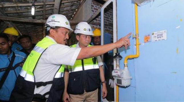 Menteri ESDM Ignasius Jonan meninjau Pembangungan Jaringan Gas