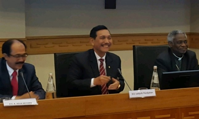 Coordinating Minister for the Ministry of Marine Affairs Luhut Binsar Pandjaitan gave a keynote address in the Seminar on Eradication of Poverty through Agriculture and Plantations for the sake of Peace and Humanity, in Rome, Italy.
