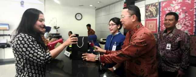 BRI Apresiasi Nasabah dan Pekerjanya pada Peringatan Hari Pelanggan Nasional