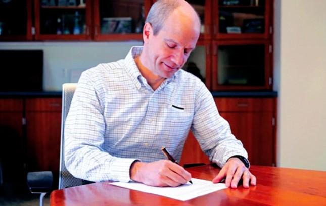 Evan Smith - President & CEO - Hypertherm, Inc.