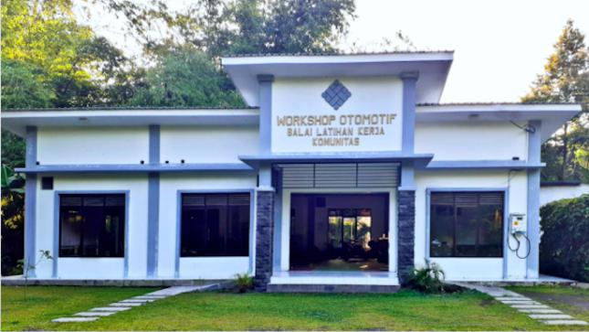 A community work training center. (Source: kemnaker.go.id)