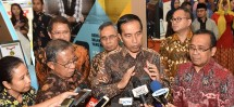 Presiden Jokowi meninjau Indonesia Business & Development Expo Rabu (20/9) (Foto: JAY/Humas)