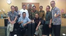Menkominfo Rudiantara bersama Panitia HPN 2018 (Foto Dok Industry.co.id)