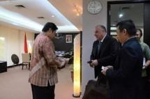 Menperin Airlangga Hartarto dan Pemipin Regional Bisnis Unit ASEAN & South Asia Linde Group, Robert Hughe (Foto Humas)