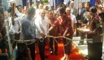 Dr. dr. Andry COO Siloam Hospitals Group, Rahmat Effendi Walikota Bekasi, dr. Nico Frits Direktur RS Siloam Bekasi Timur dan Caroline Riady Deputy CEO Siloam Hospitals Group (Foto Humas)