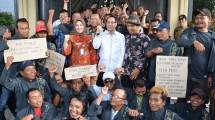 Baleg DPR Temui Pengunjuk Rasa Petani Tembakau di Klaten