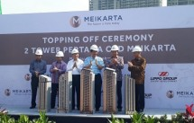 Menko Kemaritiman Luhut Binsar Pandjaitan event topping off two towers first Meikarta (Foto Ist)