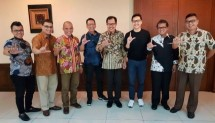 Director of LPDB-KUMKM Braman Setyo, after receiving the visit of Chairman Young on Top Billy Boen