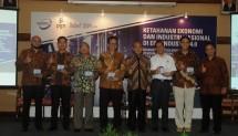 Para Pembicara Diskusi yang diselenggarakan oleh ISTMI (Ikatan Sarjana Teknik Industri dan Manajemen Industri Indonesia) bersama PT. PGN (Persero) TBK.
