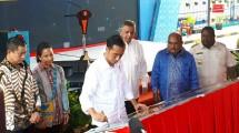 Presiden RI Joko Widodo melakukan peresmian dua Pembangkit Listrik Tenaga Mesin Gas (PLTMG)