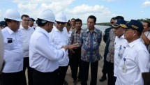 Minister of Transportation Budi Karya Sumadi reviewed the Tanjung Api-Api Port Sumatra Port project (Photo Humas)