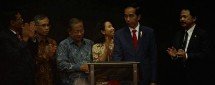 Presiden Jokowi, Ketua OJK, Menteri BUMN, Dirut BEI Tito Sulistio dan Gub DKI Djarot (Foto Ist)