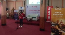Head of Public Relations Blanja.com, Rieka Handayani
