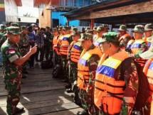 Satgas Kesehatan TNI Bantu KLB Asmat, Papua (Foto: Puspen TNI )