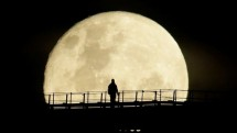 Supermoon Illustration When Witnessed From the Bridge of Love Le Bridge Taman Impian Jaya Ancol