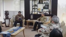 Minister of Industry Airlangga Hartarto and Chairman of Gaikindo, Yohanes Nangoi (Photo: Doc. Industry.co.id)