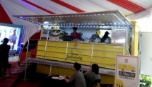 Business Food Truck, do business without having to pay rent shop or place in mall which relative very expensive