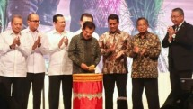 Vice President JK when opening the 4th Jakarta Food Security Summit exhibition at JCC (Photo: Ridwan / INDUSTRY.co.id)