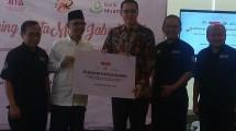 Ustad Valentino Dinsi Founder KitaMart dengan Direktur Utama Bank Muamalat Ahmad K Permana