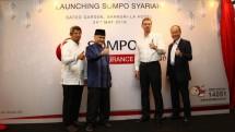 Rachman Mustafa (Head of Sharia Unit), Achmad Riawan Amin (Ketua Dewan Pengawas Syariah) Eric Nemitz (CEO SOMPO Insurance) dan Tatsuya Kuroki (Vice President Director SOMPO Insurance) saat peluncuran Unit Usaha Baru SOMPO Insurance Syariah.