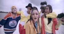 """Siti Badriah (Tengah) dalam Video Klip """"Lagi Syantik"""" yang telah ditonton 103 juta kali"""