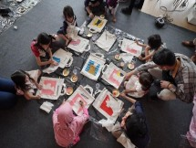 Kegiatan anak melukis saat Bincang Shopee (Dok Industry.co.id)