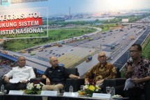 """Media Discussion Forum Merdeka Barat (FMB 9) with the theme of """"Toll Integration Support National Logistics System"""" in the Multipurpose Room of the Ministry of Communications and Informatics, Jakarta, Monday (02/07/2018)."""
