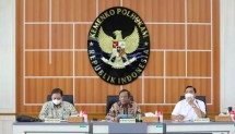 Coordinating Minister for Political, Legal, and Security Affairs Mahfud MD, Coordinating Minister for Maritime Affairs and Investment Luhut Binsar Pandjaitan, and Coordinating Minister for Economic Affairs Airlangga Hartarto