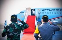 President Jokowi before taking off from Halim Perdanakusuma Air Force Base, Jakarta. (Photo by: Presidential Secretariat/ Laily)