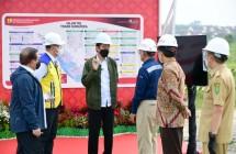 "President Joko ""Jokowi"" Widodo inspected the construction of the Pekanbaru – Bangkinang toll road Riau province, Wednesday (19/5), (Photo by: BPMI Setpres/Muchlis Jr)"