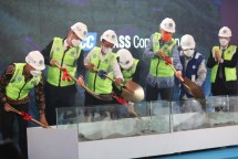 Groundbreaking of PT KCC Glass Indonesia at the Batang Integrated Industrial Zone, Central Java province, Thursday (20/5). (Photo: PR of Central Java Provincial Government)