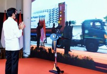 President Jokowi virtually inaugurates the 2020 Launching of Exports to Global Markets from the Bogor Presidential Palace, West Java, Friday (04/12/2020). (Photo by: Presidential Secretariat/Rusman)