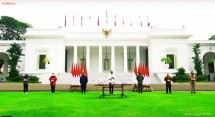 The launch of free medicine packages for self-isolated people, at the front yard of the Merdeka Palace, Jakarta, Thursday (15/7). (Source: Screenshot of Presidential Secretariat YouTube Channel)