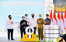 President Jokowi inspects and inaugurates Hot Strip Mill #2 Factory owned by PT Krakatau Steel (Persero) Tbk, in Cilegon city, Banten province, Tuesday (21/09). (Photo by: BPMI/Laily Rachev)