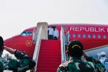 President Jokowi, accompanied by Ibu Iriana Jokowi, is on his way to visit Bali province on Friday (08/10). (Photo by: BPMI/Laily Rachev)