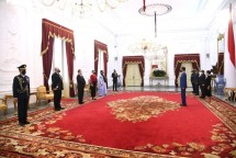 President Jokowi receives Letters of Credence from four new Ambassadors of friendly countries, at the Merdeka Palace, Jakarta Province, in September. (Photo by: Presidential Secretariat/Lukas)