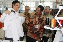 Minister of Industry Airlangga Hartarto visits to TPT factory in Solo (Photo Humas)
