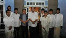 Minister of Cooperatives and SMEs Puspayoga make a visit to the Pondok Pesantren (Ponpes) Al Masthuriyah in Sukabumi, West Java, Thursday night (24/8).